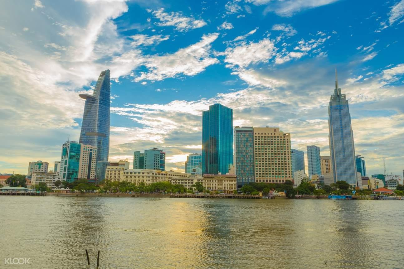 Saigon Breakfast Cruise